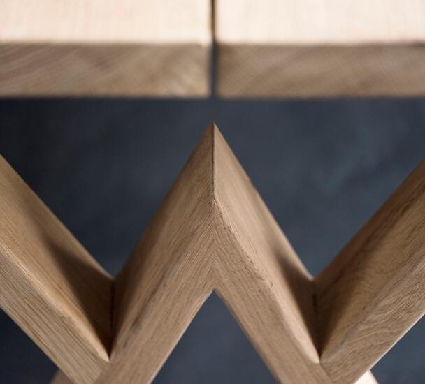 plankebord med w-ben